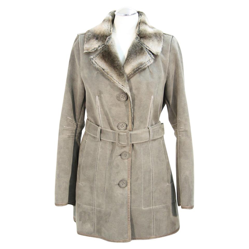 armani mantel in grau second hand armani mantel in grau gebraucht kaufen f r 229 00 2517816. Black Bedroom Furniture Sets. Home Design Ideas