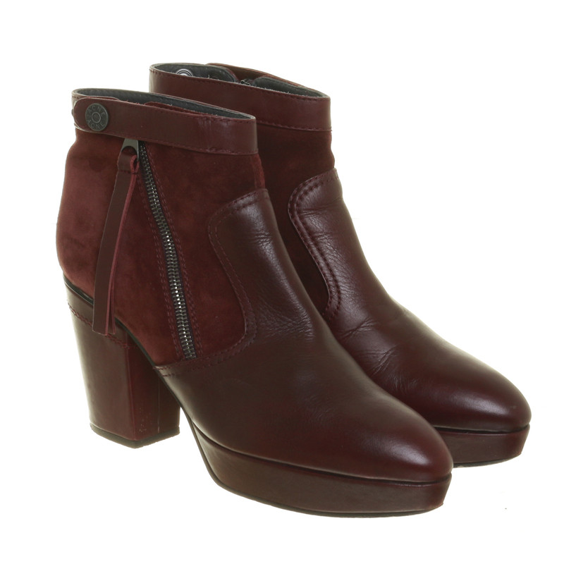 acne bordeauxfarbene ankle boots mit blockabsatz second. Black Bedroom Furniture Sets. Home Design Ideas