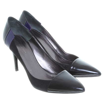 Hugo Boss Leder-Pumps in Schwarz/Violett