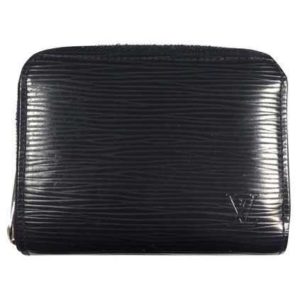 "Louis Vuitton ""Zippy"" Epi leather"