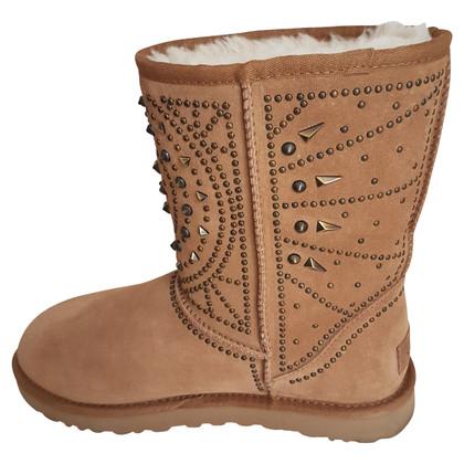 Ugg Boots mit Nieten