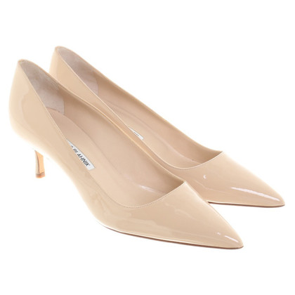 Manolo Blahnik Pumps in Nude
