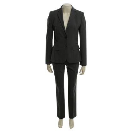 Hugo Boss Klassischer Anzug in Grau