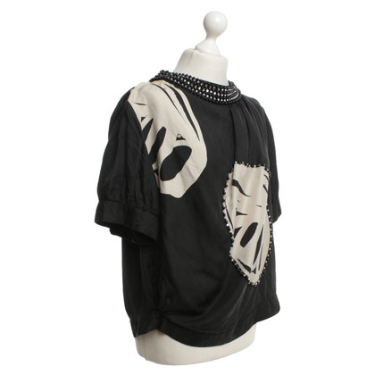 By Malene Birger Silk blouse in black / beige