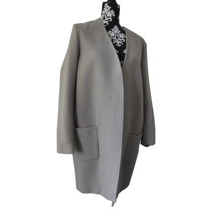 Closed coat