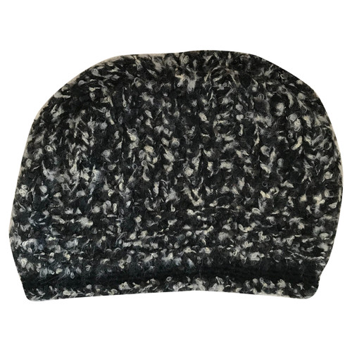 a1b860384cb Chanel Cashmere hat - Second Hand Chanel Cashmere hat buy used for ...