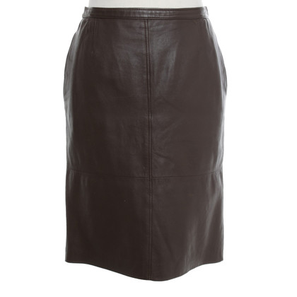 Valentino skirt made of leather