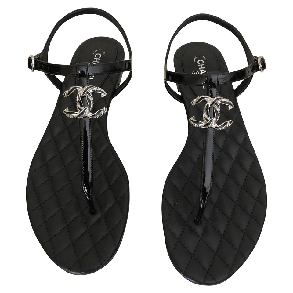 Chanel Black Flat Shoes