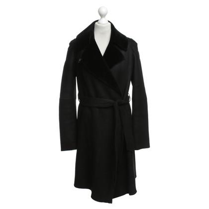 Marc Cain Pelle di pecora cappotto in nero