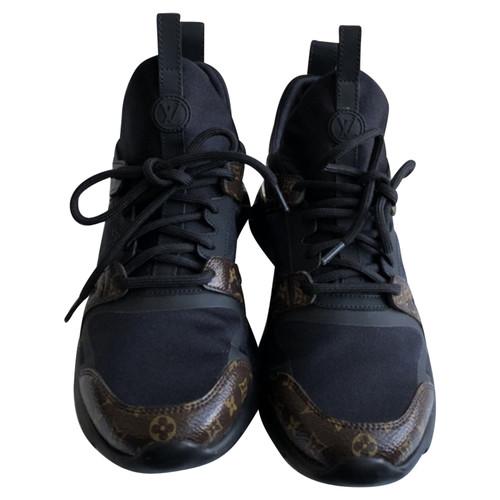 06efbec7e27 Louis Vuitton Aftergame sneakers - Second Hand Louis Vuitton ...