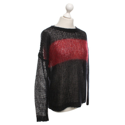 Theory Sweater in red / black