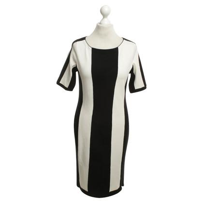 Karen Millen Kleid in Schwarz-Weiß