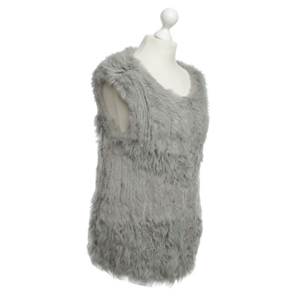 Closed Cardigan senza maniche DROPS in grigio
