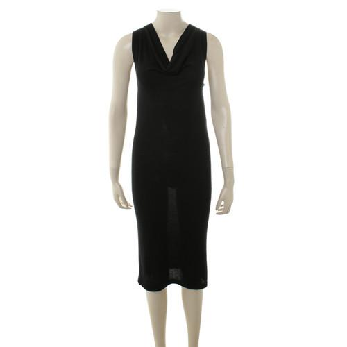 b77caa81eb2 DKNY Schwarzes Kleid mit Wasserfallkragen - Second Hand DKNY ...