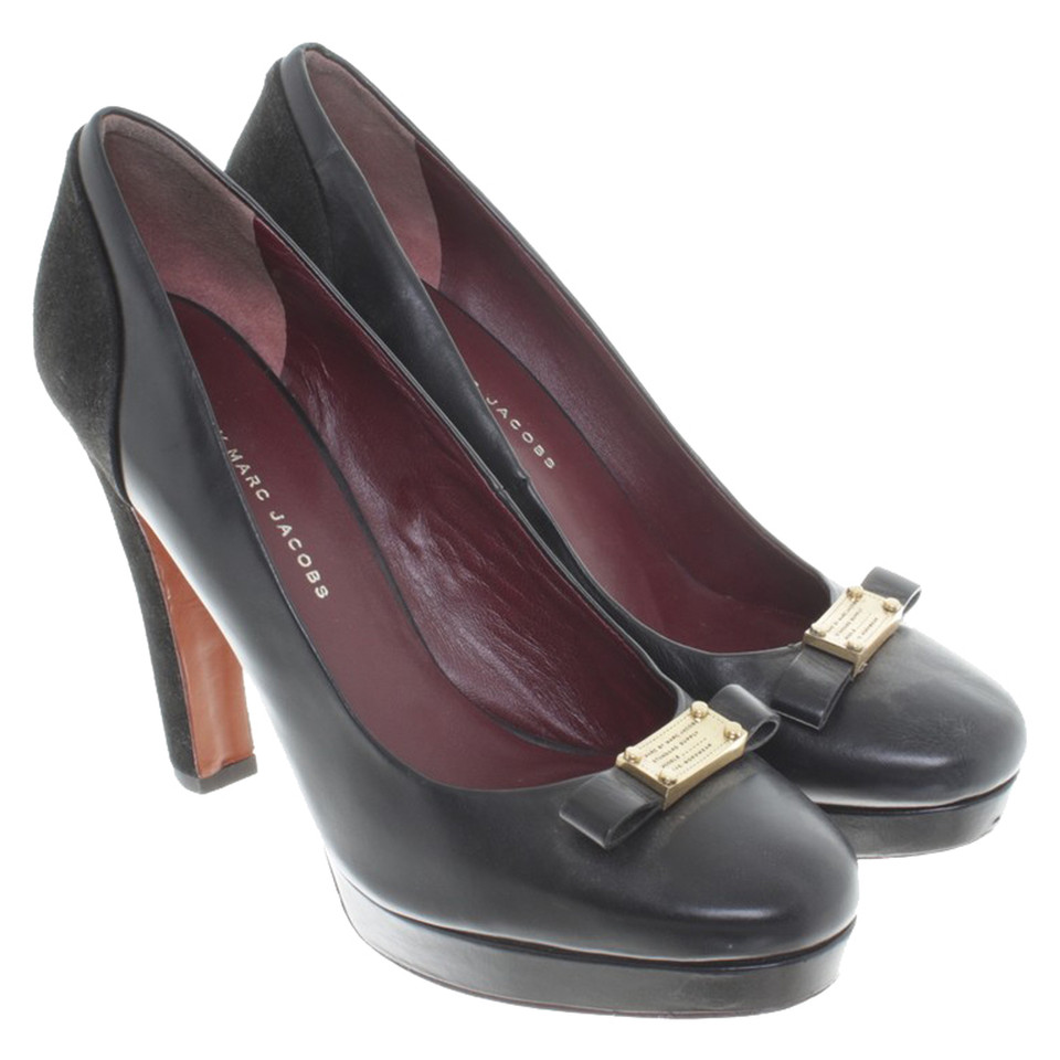 marc by marc jacobs pumps in schwarz second hand marc by marc jacobs pumps in schwarz. Black Bedroom Furniture Sets. Home Design Ideas