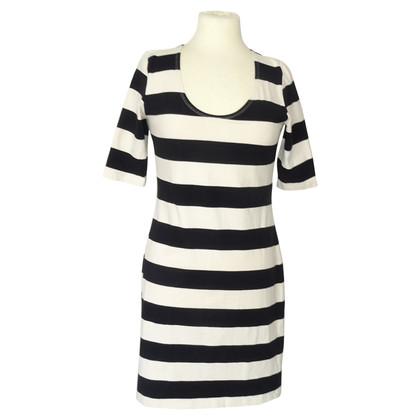 Filippa K Kleid mit Streifen
