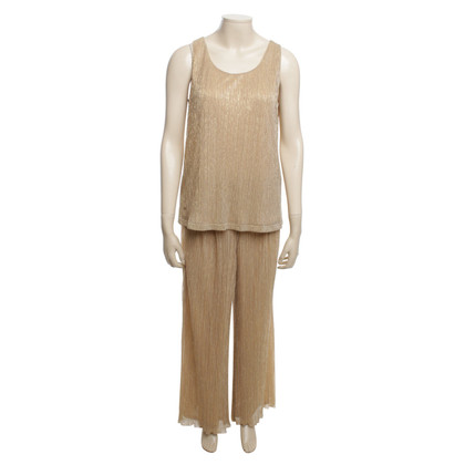Aigner top color oro con i pantaloni