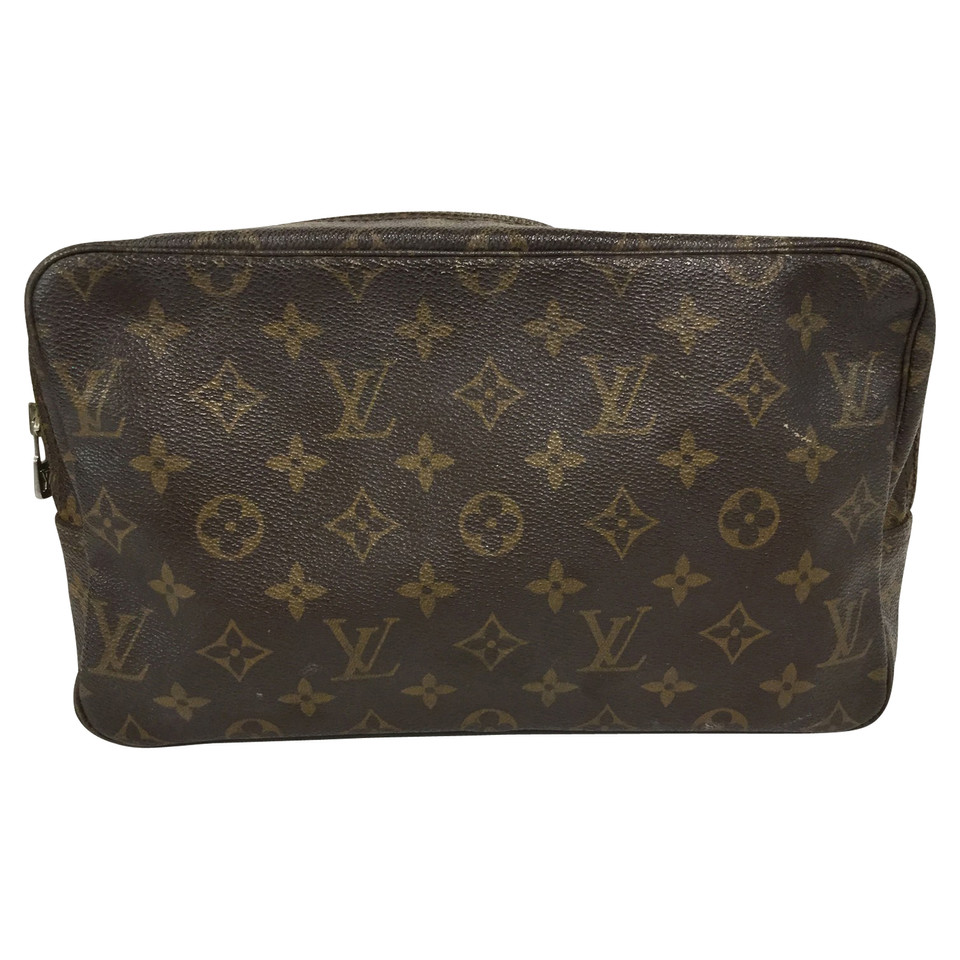 louis vuitton cosmetic bag from monogram canvas buy second hand louis vuitton cosmetic bag. Black Bedroom Furniture Sets. Home Design Ideas