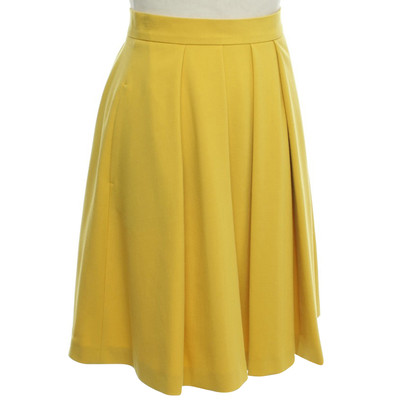 French Connection Issued skirt in yellow