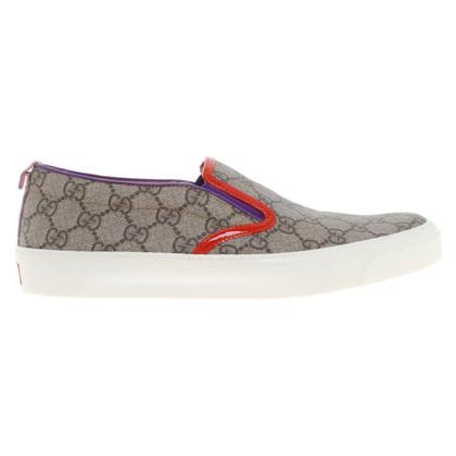 Gucci Slipper mit Guccissima-Muster