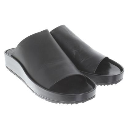 Balenciaga Mules in zwart