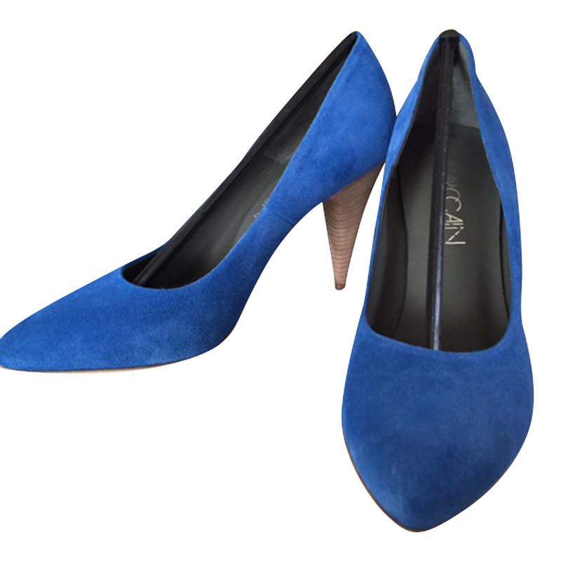 marc cain blaue pumps second hand marc cain blaue pumps gebraucht kaufen f r 75 00 516396. Black Bedroom Furniture Sets. Home Design Ideas