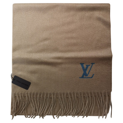 69a5737e3dc4 Louis Vuitton Scarves and Shawls Second Hand  Louis Vuitton Scarves ...