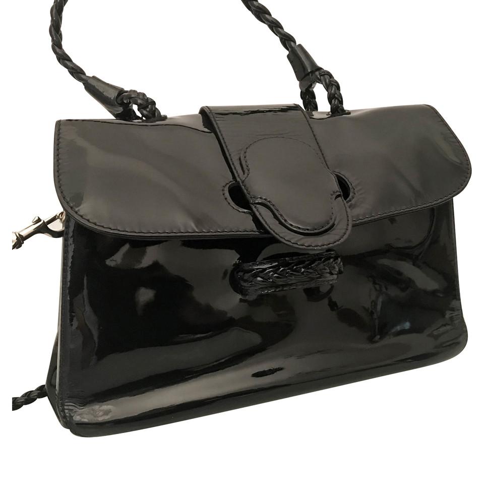 valentino handtasche aus lackleder second hand valentino handtasche aus lackleder gebraucht. Black Bedroom Furniture Sets. Home Design Ideas