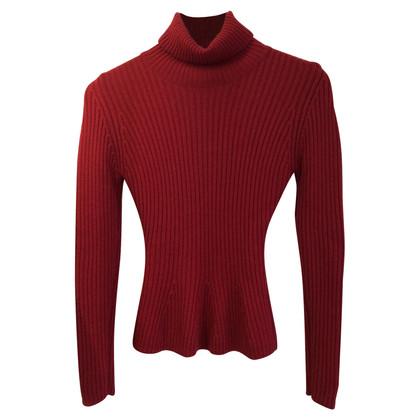 Yves Saint Laurent Sweater in Fuchsia