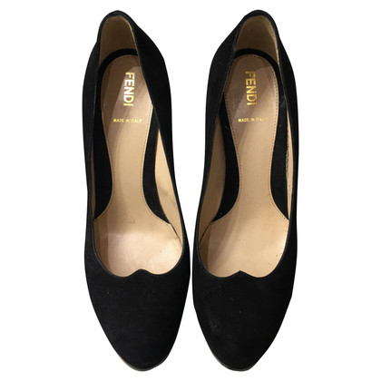 Fendi pumps in black