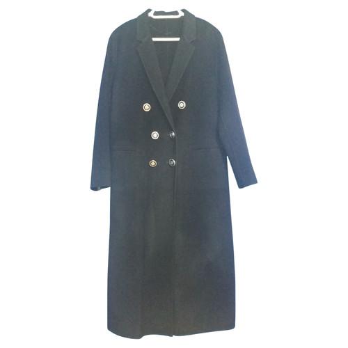 9e7ba2875ac9b Pinko Cappotto di lana in blu - Second hand Pinko Cappotto di lana ...