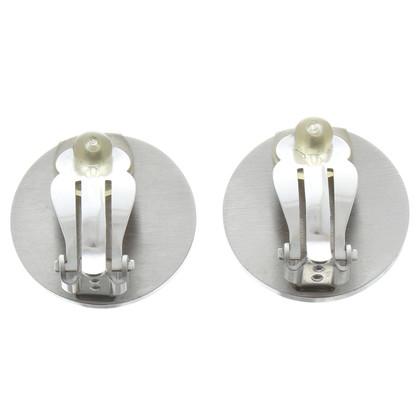 Chanel Clip oorbellen met logo