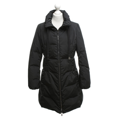 Moncler Coat in zwart Beneden