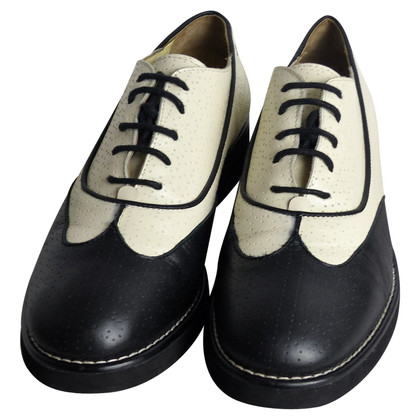 Chanel 16C Lace up Oxford