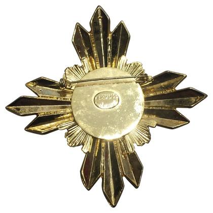 Ferre brooch