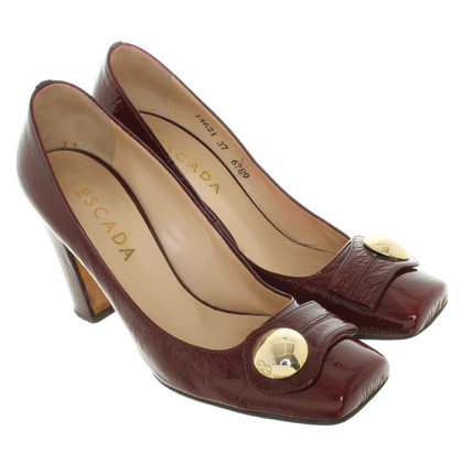Escada pumps made of lacquered leather