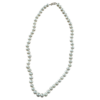 Chanel Faux pearl necklace with Chanel clasp