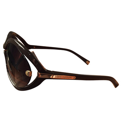 Louis Vuitton Stylish sunglasses Daphne bean W