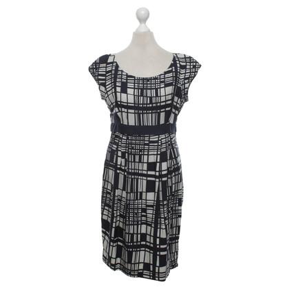 Hobbs Silk dress with pattern