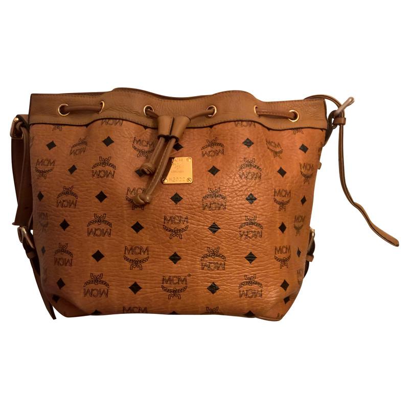 mcm tasche in cognac koop tweedehands mcm tasche in cognac voor 429 00 262134. Black Bedroom Furniture Sets. Home Design Ideas
