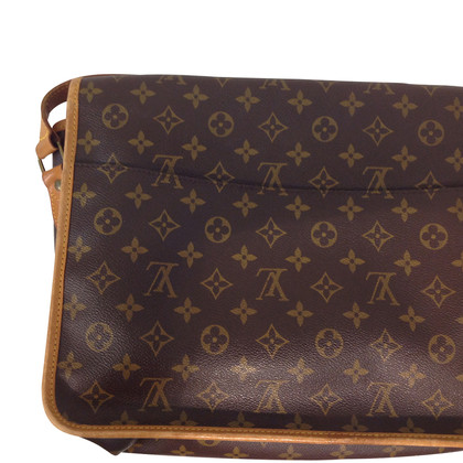 Louis Vuitton Gibeciere MM