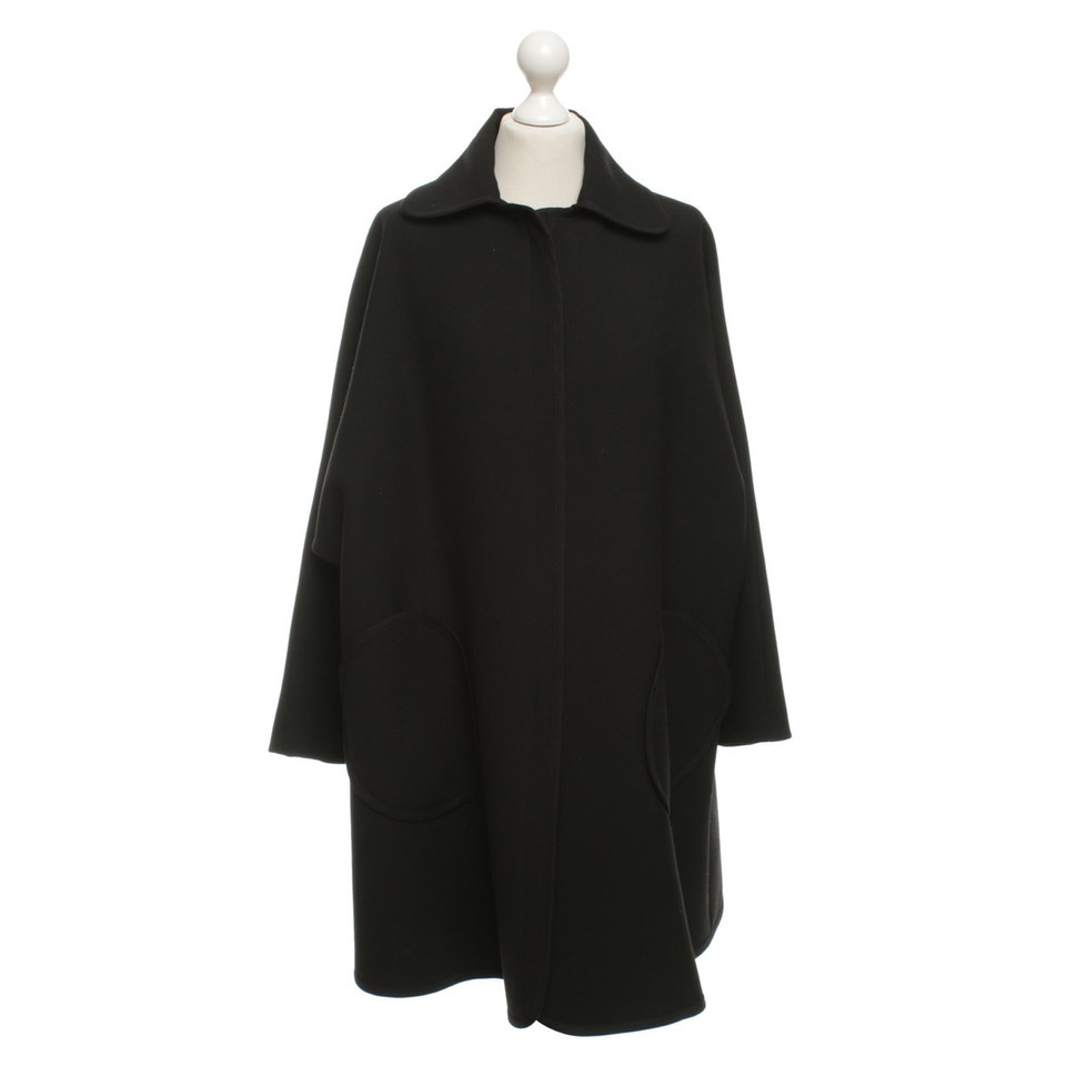 armani cape mantel in schwarz second hand armani cape mantel in schwarz gebraucht kaufen f r. Black Bedroom Furniture Sets. Home Design Ideas