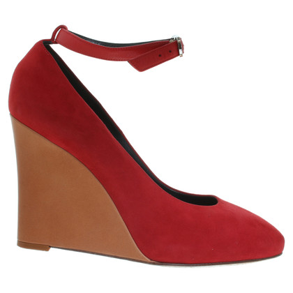 Céline Suede Pumps in red