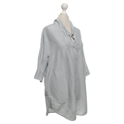 Turnover top made of satin in light gray