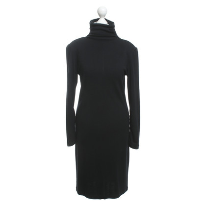 Nusco Vestito di nero