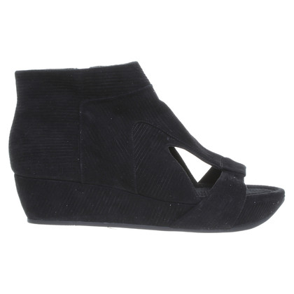 Camilla Skovgaard Wedge sandals in suede