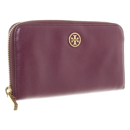 Tory Burch Wallet in Fuchsia