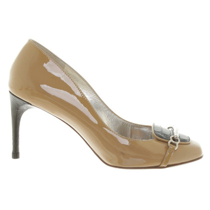 Dolce & Gabbana Lacquer leather-pumps in beige