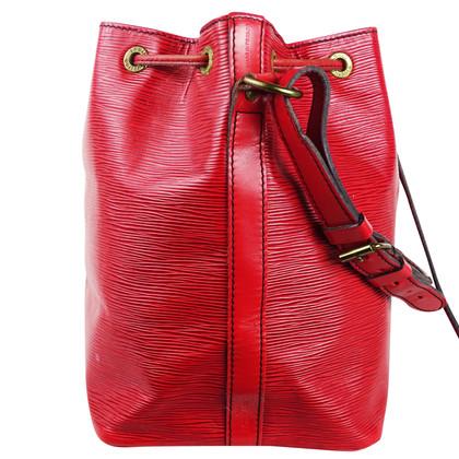 """Louis Vuitton """"Petit Noé EPI leather"""" in rosso"""