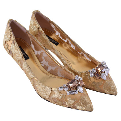 Dolce & Gabbana pumps with brooch